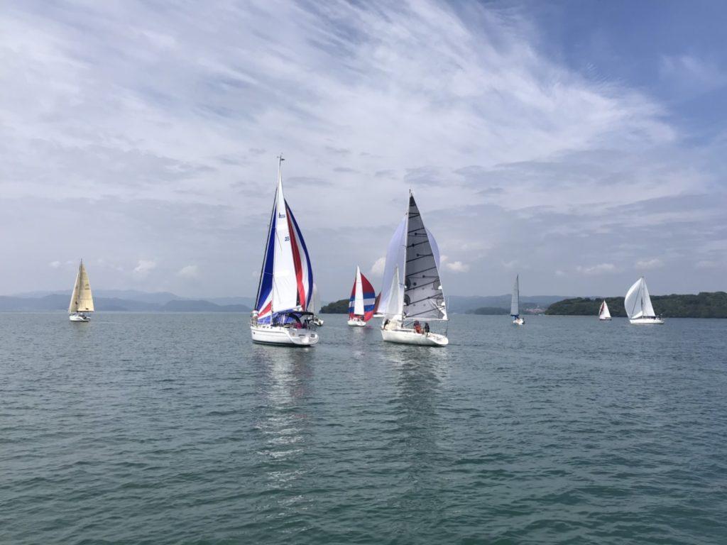 ヨットクラブ主催雨季帆走会開催
