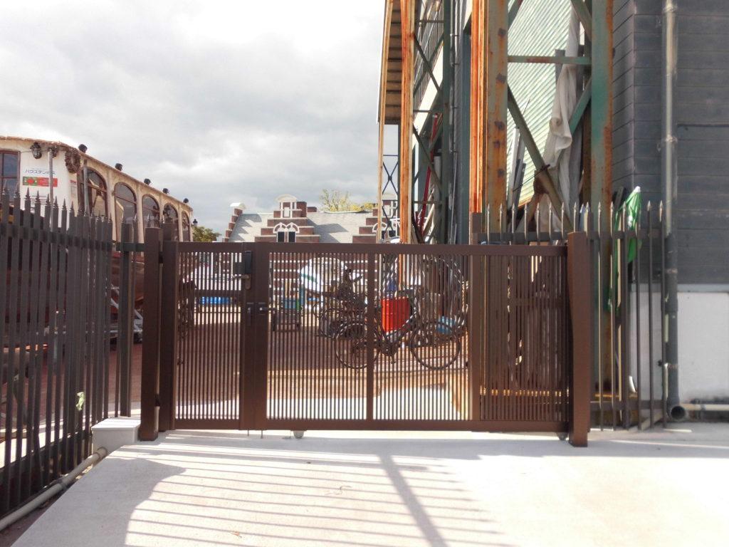 マリーナ新入場門設置完了の お知らせ